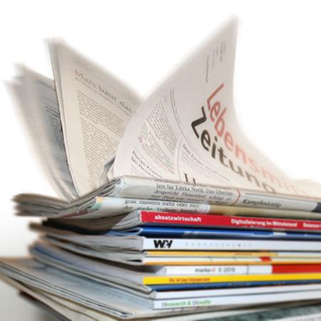 Stapel mit Fachzeitschriften